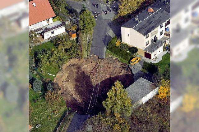 Ein Krater mitten im Wohngebiet