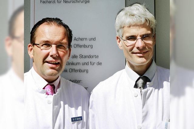 Das Operationsmikroskop garantiert Genauigkeit