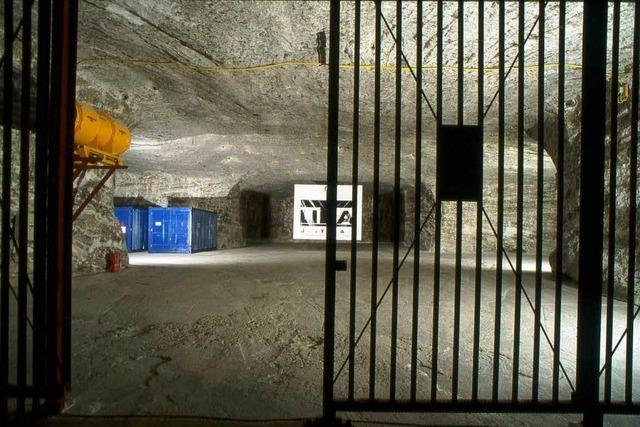 Akten im Untergrund