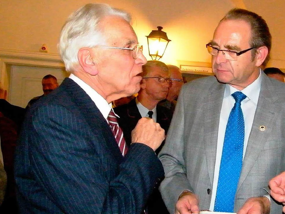 Mehrfach gewürdigt wurden die Verdiens...Vizepräsident Georg Keller austauscht.  | Foto: Martha Weishaar