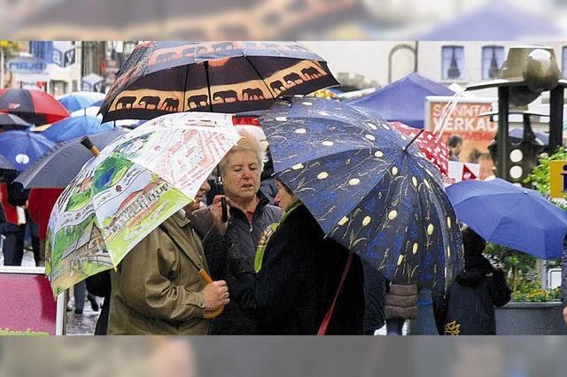 Einkaufsspaß trotz Regens