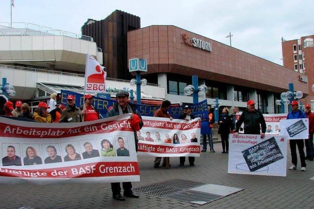 BASF-Mitarbeiter demonstrieren in Ludwigshafen