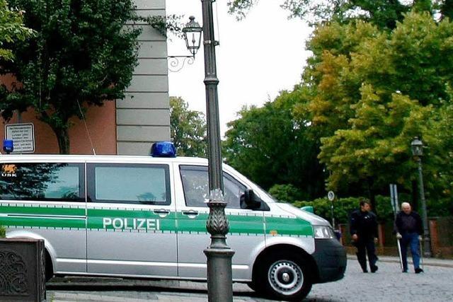 Sexuelle Belästigung eines Mädchens: Polizei fahndet mit Flugblättern