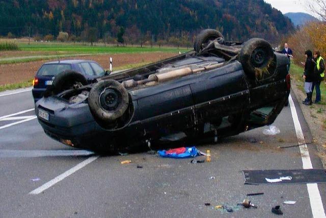 Auto überschlägt sich bei Gengenbach