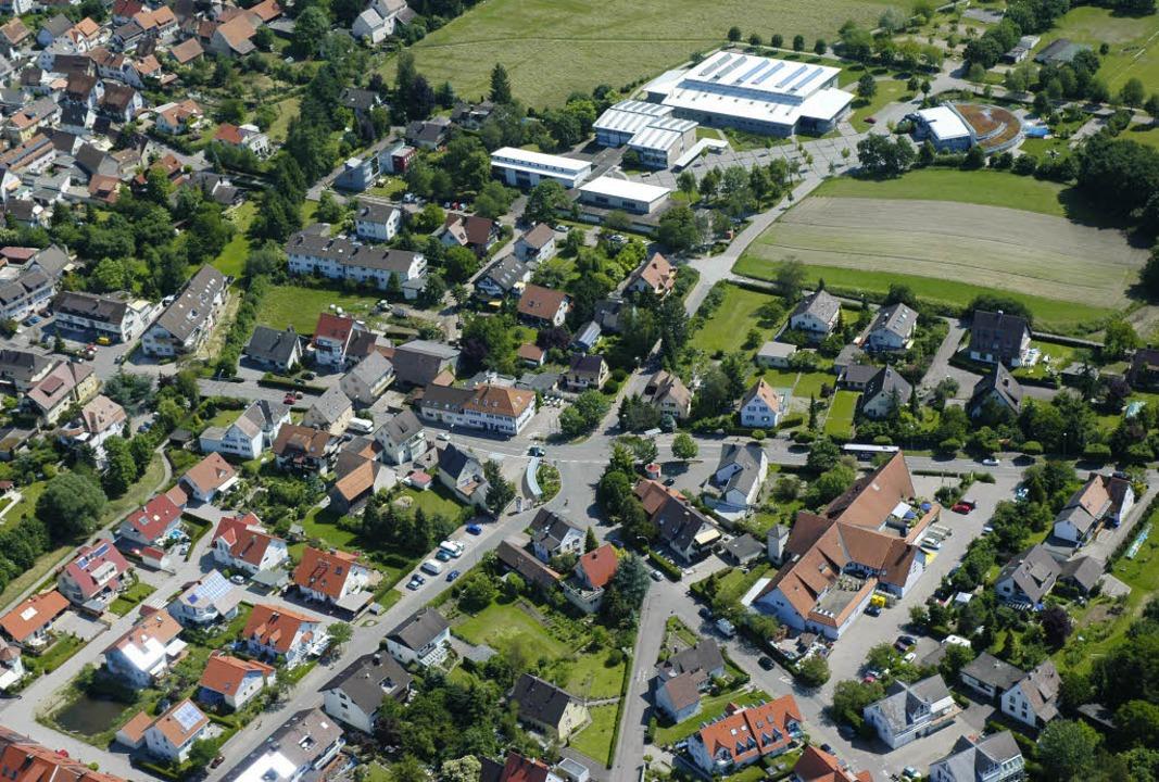 In der  Werkrealschule mit der Sport- ...rhaus (oben rechts) versorgen könnte.   | Foto: brigitte Sasse