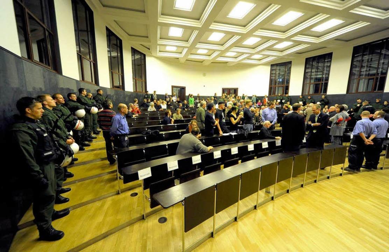 Polizei im Hörsaal.  | Foto: Thomas Kunz