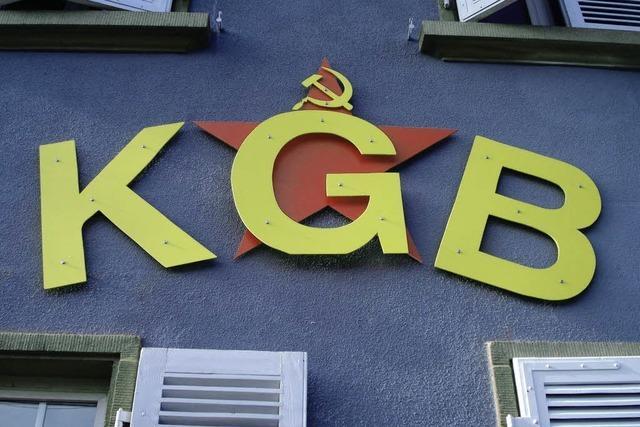GRENZGÄNGER: Sitzt der KGB in der KG Bar?