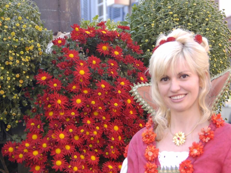 Natalie I.: Ihre Amtszeit endet, wenn die nächste Chrysanthema beginnt.     Foto: Christian Kramberg