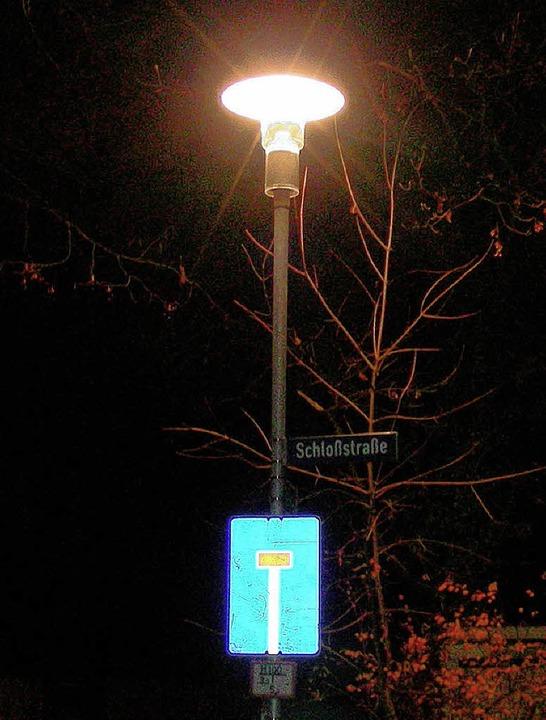 Noch brennt die Lampe: Am Montag muss ...ss sie dies auch an Neujahr noch tut.   | Foto: mario schöneberg