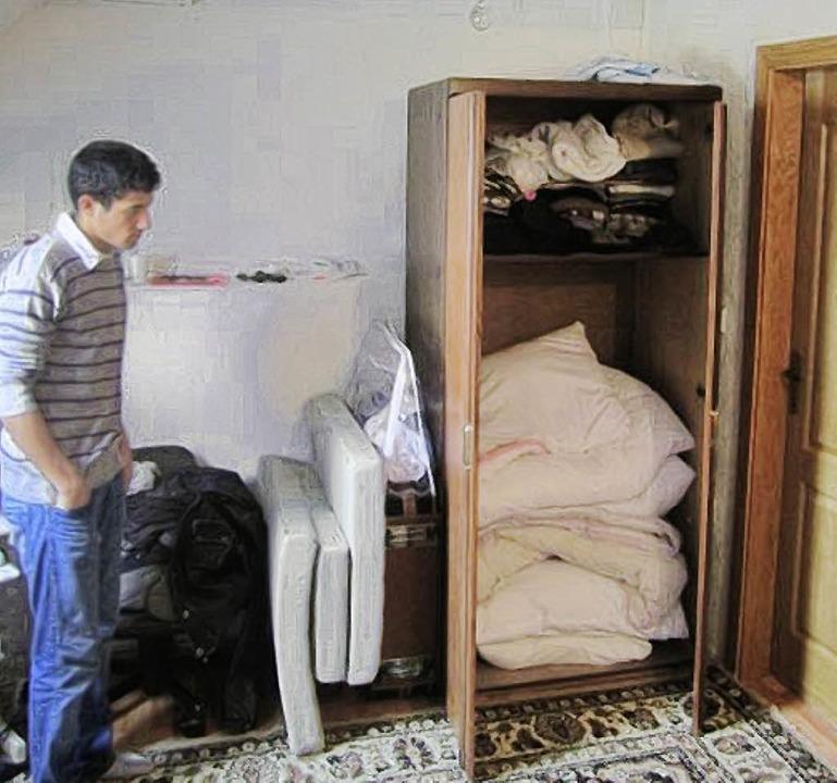 Erson Tatari in  Ein-Zimmer-Wohnung in Pristina, Kosovo.  | Foto: Hasani