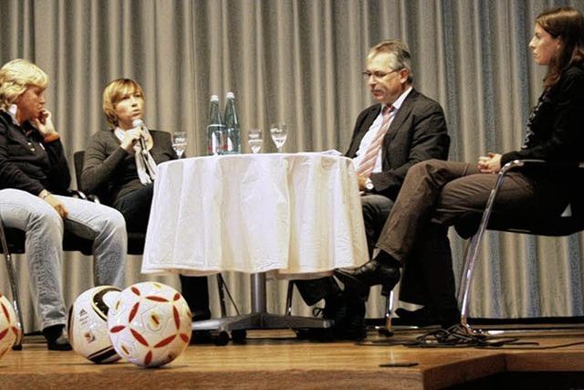Fußball, Frauen und die Gesellschaft
