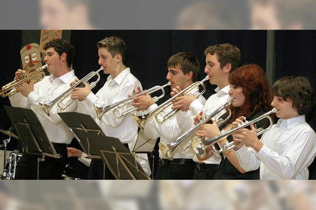 Swingmusik hilft Afrika