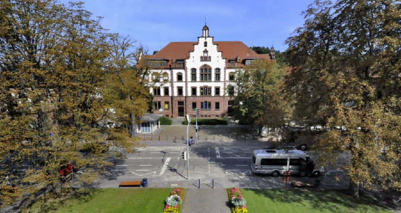 Zwischen Karl-Friedrich-Schule und Amt...ende des Kulturkreises, Fritz Kendel.     Foto: Zimmermann/Walser
