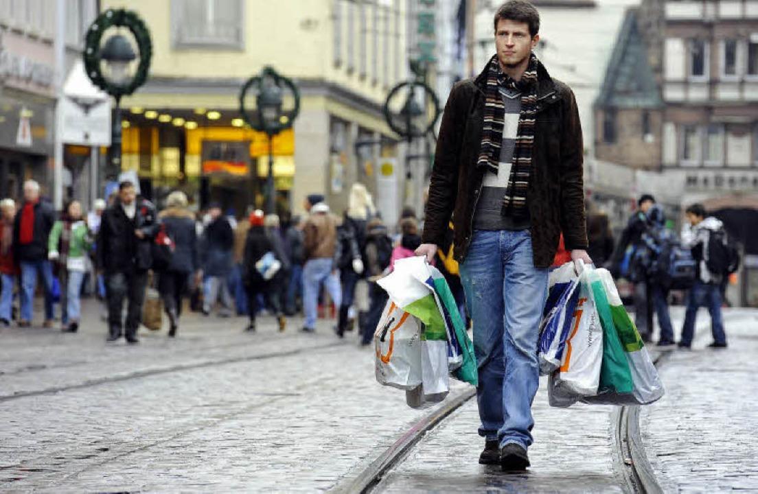 Unter den Top 25 der deutschen Einkauf... die Freiburger  Kaiser-Joseph-Straße.    Foto: Ingo Schneider