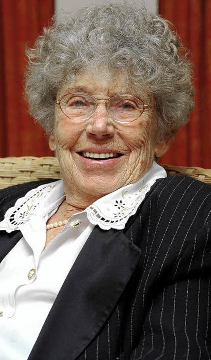 Im Mundarttheater stand sie jahrzehnte...e immer noch aktiv: Elfriede Dierkes.   | Foto: Kunz