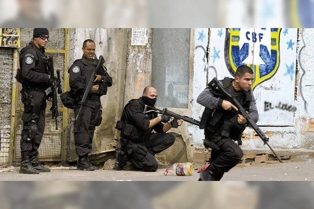 Mit Panzern gegen Rios Drogenbanden