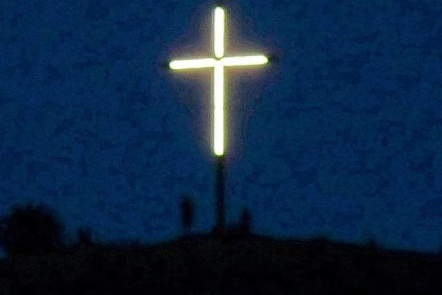 Leuchtendes Köpfle-Kreuz: Kitsch oder Kunst?
