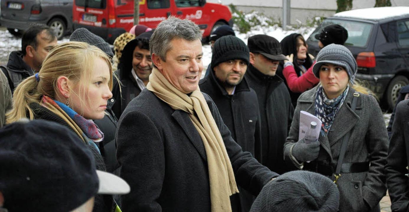 Bürgermeister Volker Kieber freute sic...orfrundgang durch Gottenheim zeigten.   | Foto: axel dröber