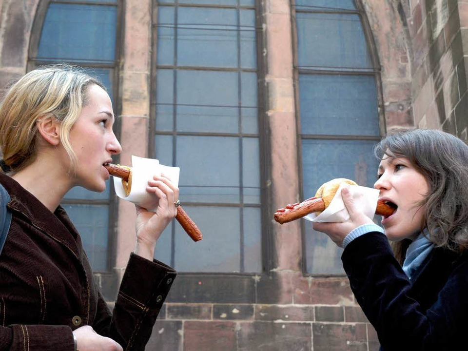 Schnelle Mahlzeit mit Tradition: die Münsterwurst  | Foto: Brigitte Sasse