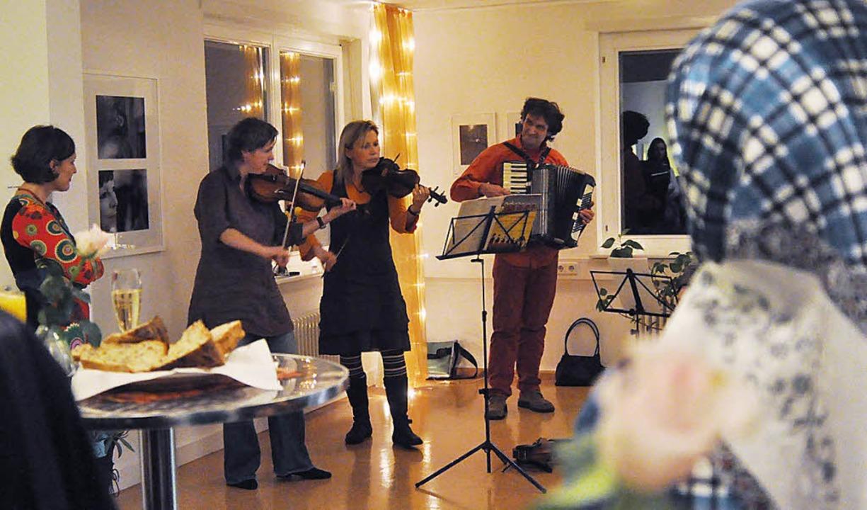 Musikalische Vernissage in der Frauenberatungsstelle   | Foto: Barbara Ruda