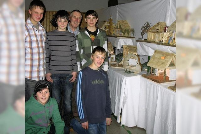 Krippenbastler haben in Waldau eine lange Tradition