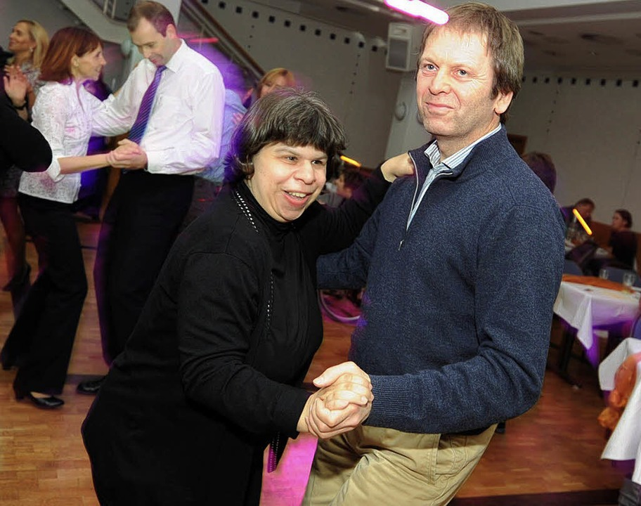 Valerie Mark und Hans Martin Henning beim Tanzen    Foto: rita eggstein