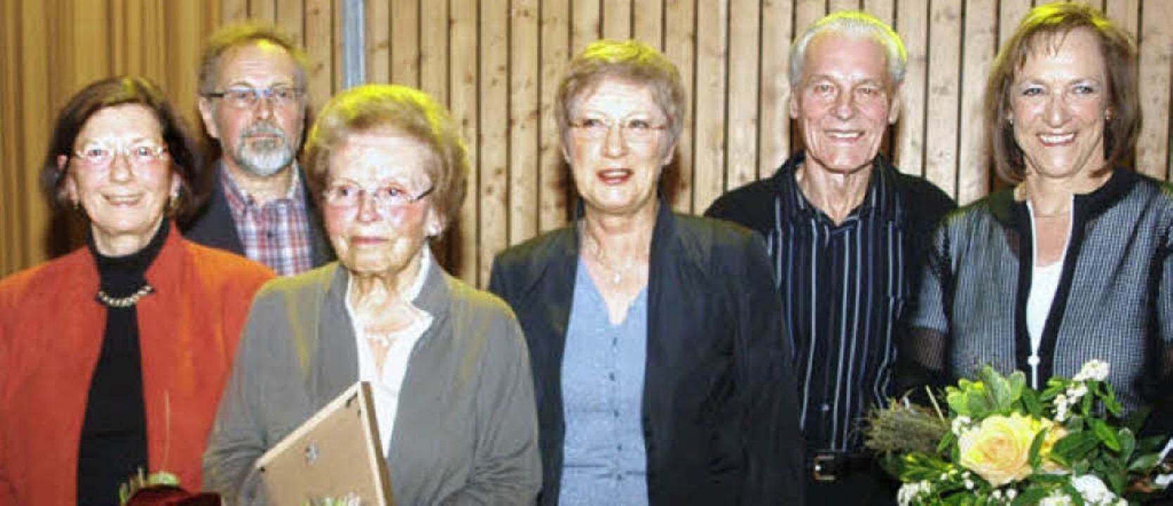 Geehrt wurden (von links): Irene Schmi...gt, Eugen Müller und Ingrid Sauerland   | Foto: Albert Greiner