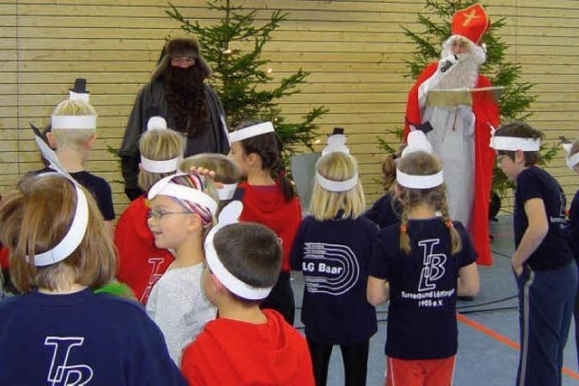 250 Kinder beim Nikolausturnen