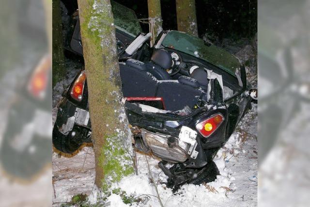 Autofahrerin schwer verletzt