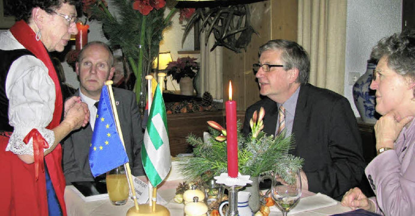 Regierungspräsident Julian Würtenberge...d der EU-Vorsitzenden Sieglinde Lange.    Foto: manfred lange