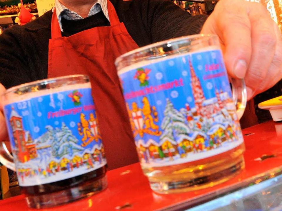 Keine Keime im Glühwein auf dem Freiburger Weihnachtsmarkt.  | Foto: Michael Bamberger