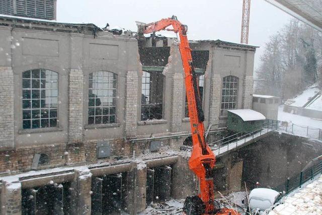 Kraftwerk-Abriss läuft – Ausschuss berät über Denkmalschutz-Petition