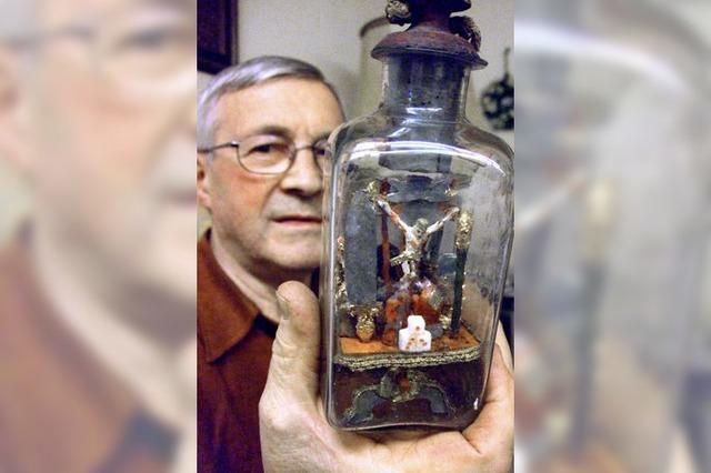 Kreuzigung in der Flasche