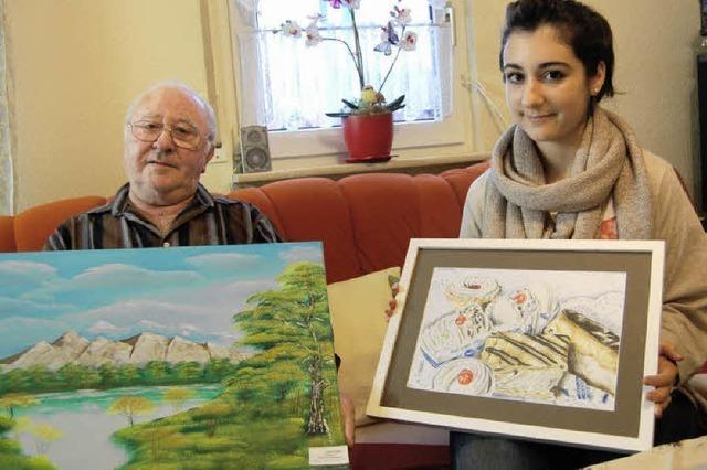 Opa Anton malt in Öl, Enkelin Elfriede mit Buntstiften und Kohle