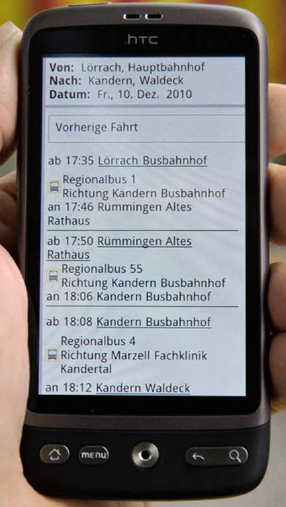 Die RVL-Fahrpläne kann man jetzt auch ...ternetfähigen Mobiltelefonen abrufen.   | Foto: Michael Reich