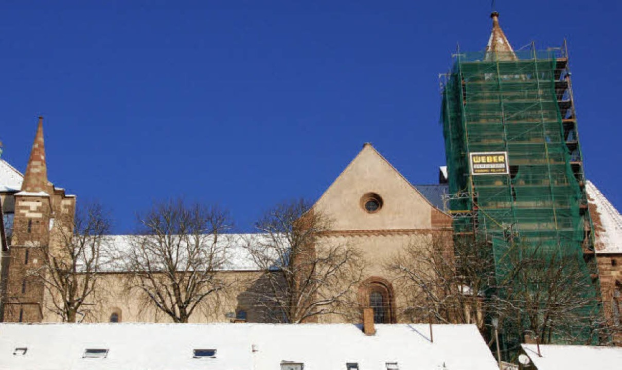 Bald fällt auch das letzte Gerüst: Die...Breisacher Münsters ist abgeschlossen.  | Foto: Agnes Pohrt