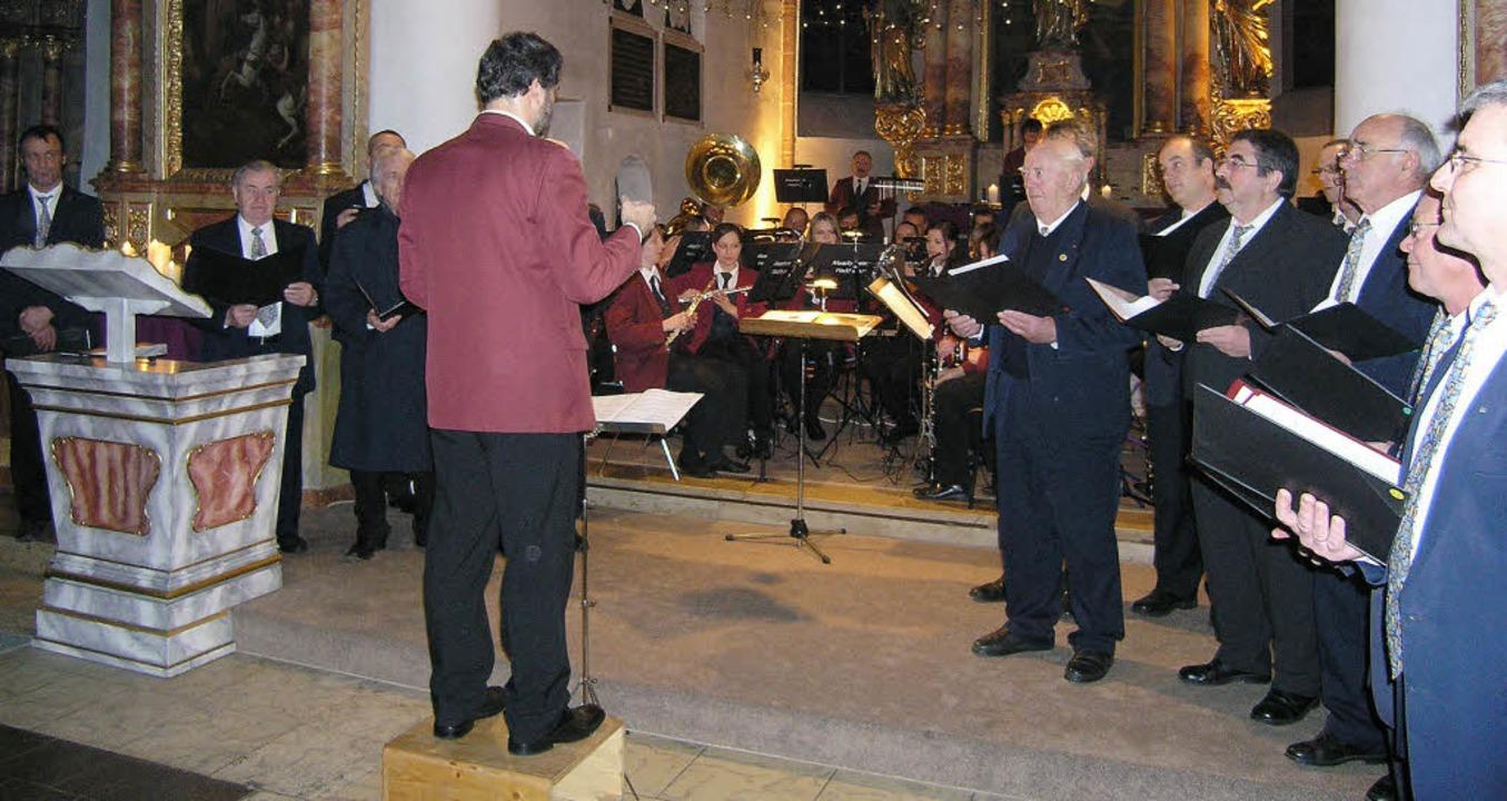 Männergesangverein Lichteneck, Musikve...cklingen und Dirigent Albert Eschbach.  | Foto: Ute Schöler
