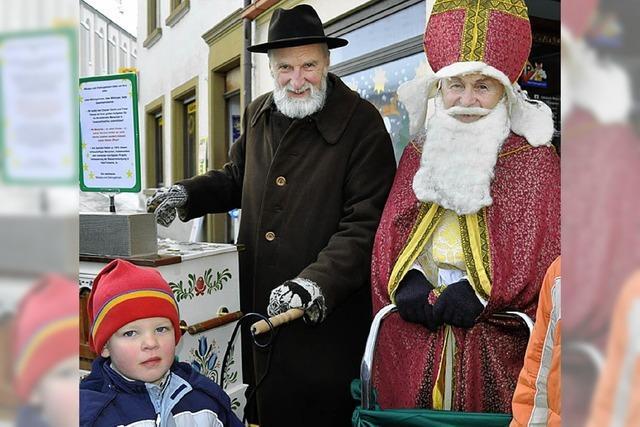 Emsige Spender beim Weihnachtsmarkt