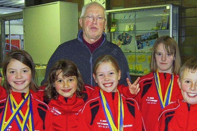 Neustädter Schwimmer auf Medaillenkurs