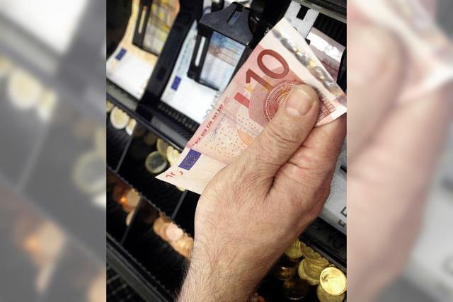 Steuern sprudeln, Schulden steigen