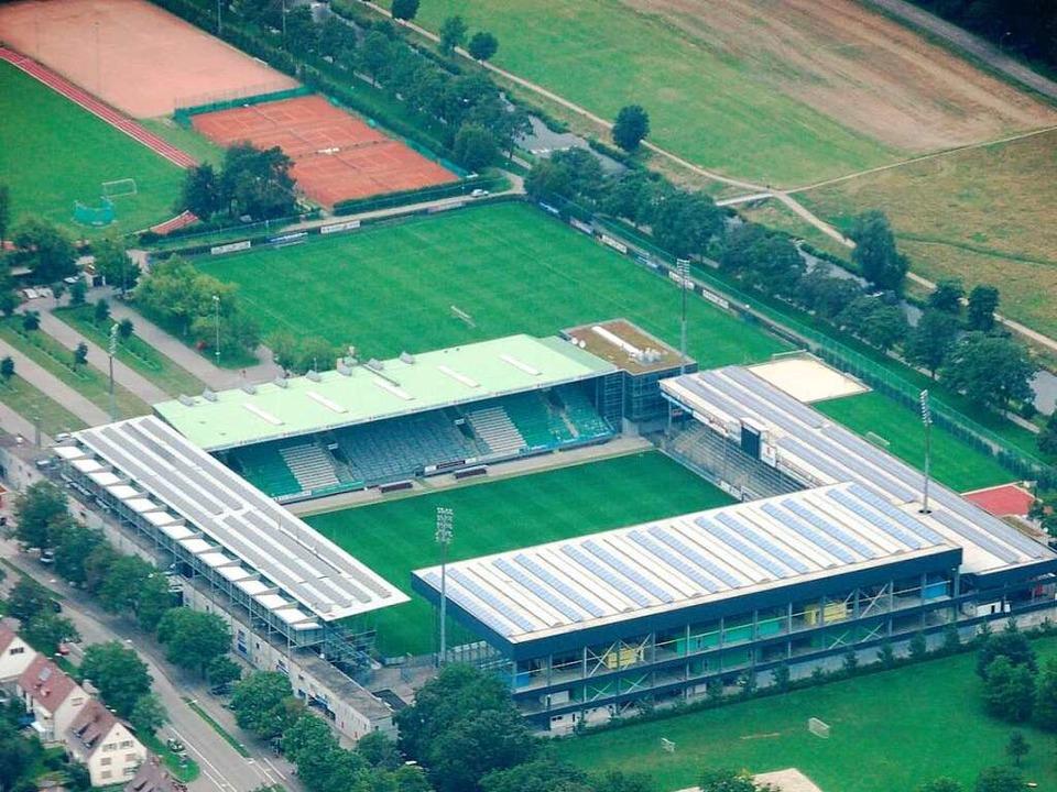Auch das Dreisamstadion bietet nicht genug Platz.  | Foto: Joachim Röderer