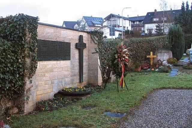 Neue Bäume für den Friedhof