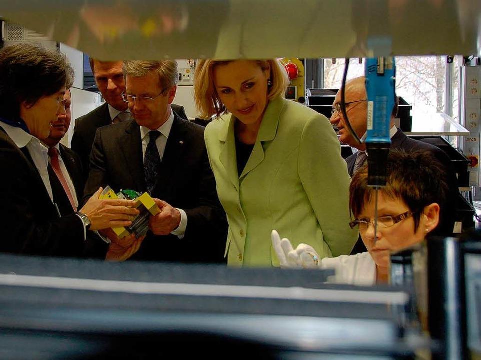 Bundespräsident Wulff und seine Frau i...tlaufzeitscanner für den Unfallschutz.  | Foto: Sylvia Timm