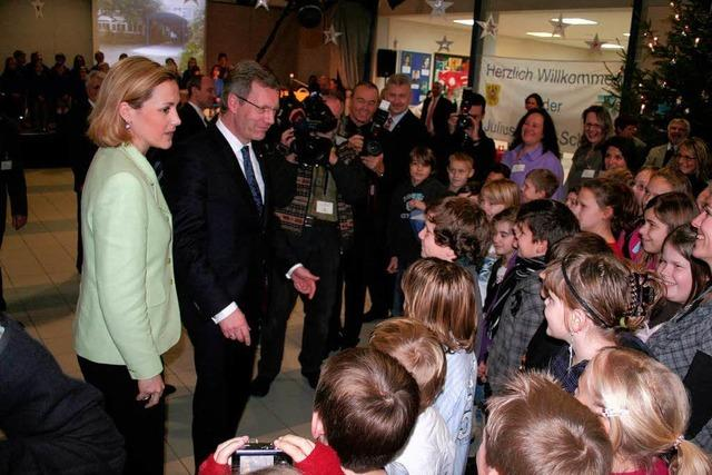 Bundespräsident Wulff ist voll des Lobes über die Julius-Leber-Schule