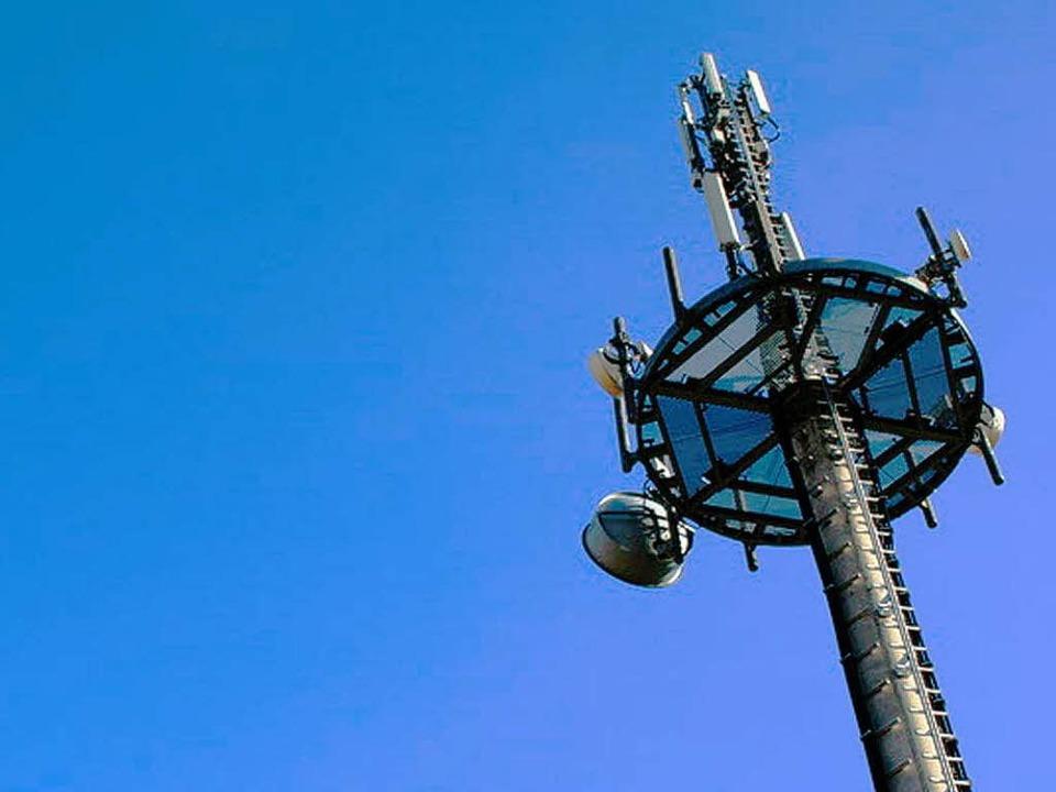 Mobilfunkmasten sorgen oft für besorgt...tikern – so auch in Bollschweil.  | Foto: b.neeser - Fotolia