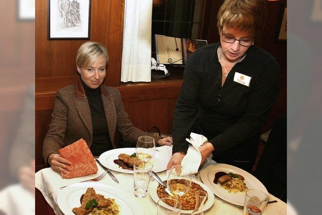 Topinambur-Suppe, Rehschnitzel und Zimtmousse