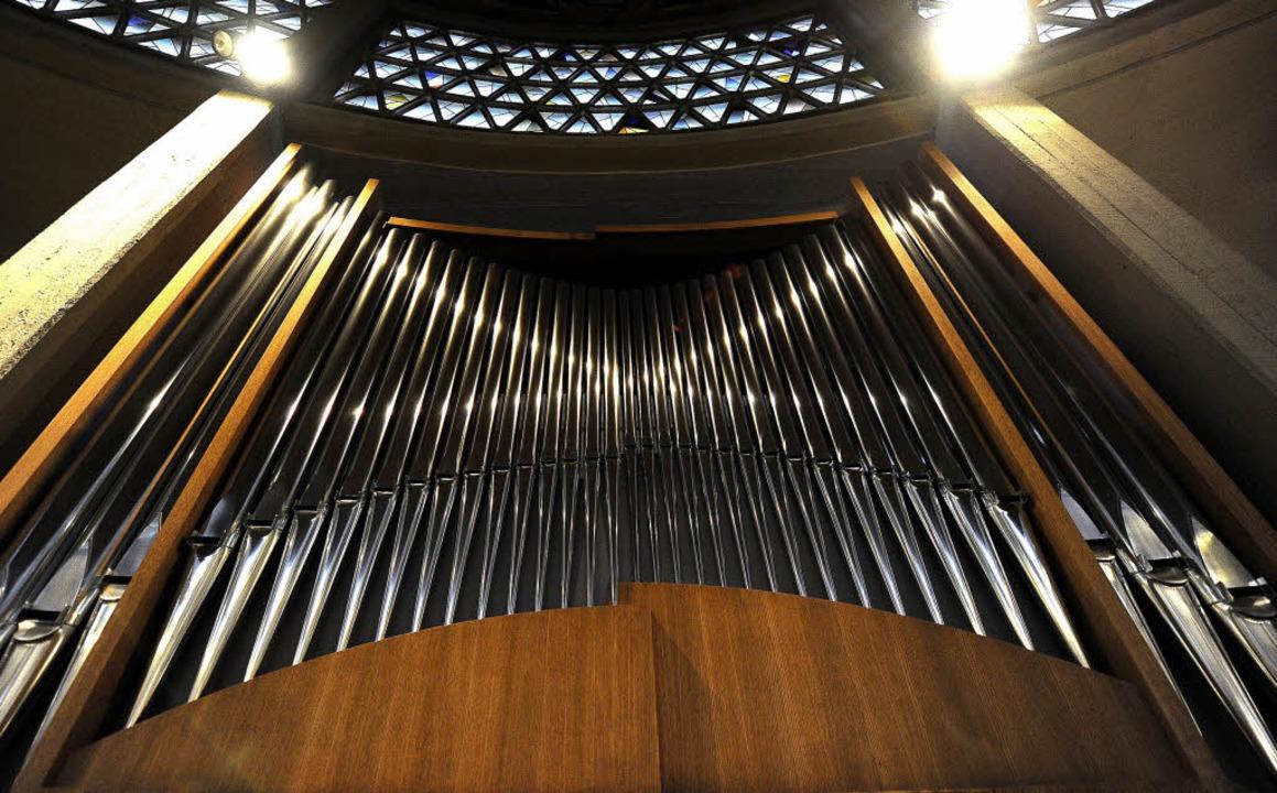 Die alte Orgel der Klinikkirche Heilig...nz und wird an diesem Sonntag geweiht.    Foto: Ingo Schneider