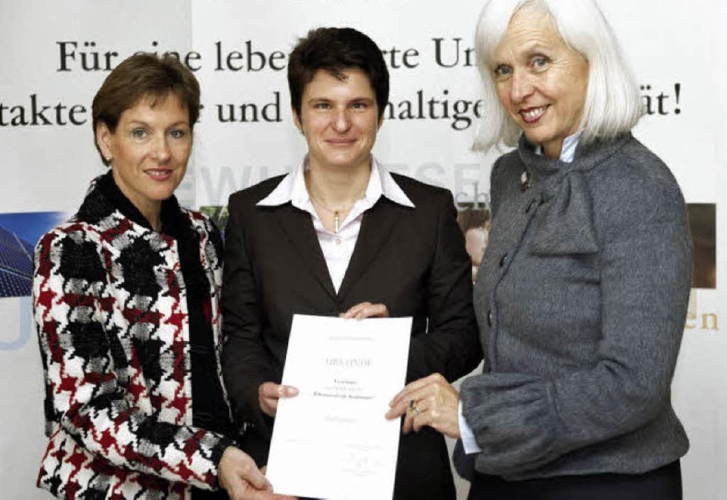 Bürgermeisterin Marion Dammann, Umwelt...bei der Preisverleihung in Stuttgart.   | Foto: BZ