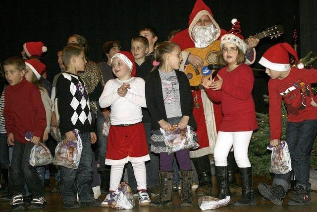 Tänze, Reime und Lieder für den Weihnachtsmann
