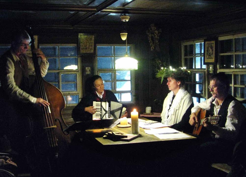 Ein Abend mit Erzählungen und Musik in...pfer und Johannes Köpfer (von links).   | Foto: Ulrike Spiegelhalter